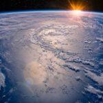 10 Lines on Earth in Hindi पृथ्वी पर 10 पंक्तियां हिंदी में